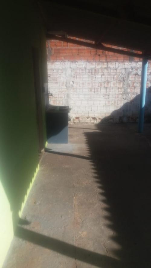 Casa para alugar no Conjunto Habitacional Hilda Mandarino em Araçatuba/SP